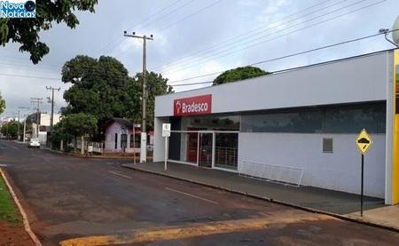 Left or right assalto agencia
