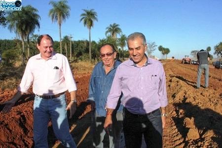 Left or right marcelo miglioli e governador vistoriando obras