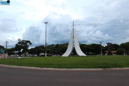 Left or right obelisco nova andradina