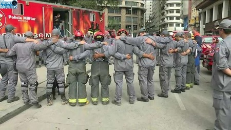 Left or right bombeiros 1