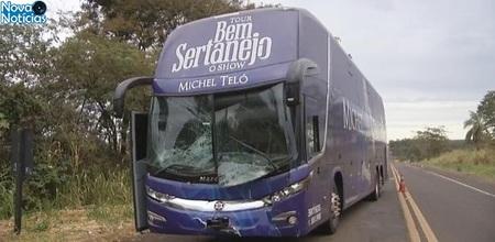 Left or right onibus de michel telo sofre acidente no interior de sp 1526478445196 v2 615x300
