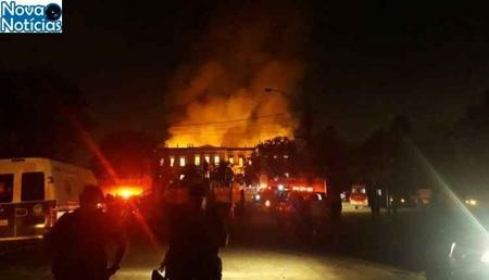 Left or right incendio museu nacional do rio de janeiro 750x430