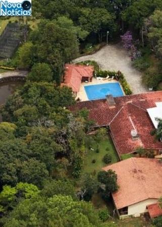 Left or right vista aerea de sitio em atibaia sp atribuido ao ex presidente lula 1517764714878 v2 300x420