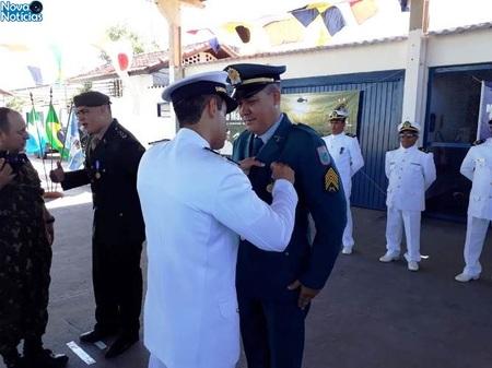 Left or right homenagem da marinha o comandante da pma de bataypor
