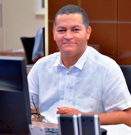 Left or right wilson aquino jornalista e professor 3