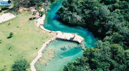 Left or right 06 balneario municipal bonito foto arquivo prefeitura