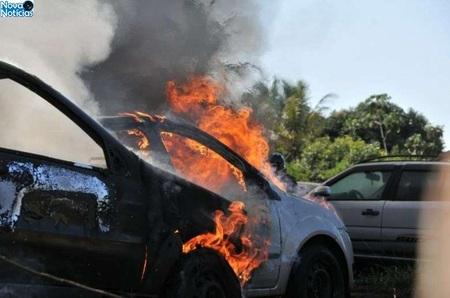 Left or right fogo carro