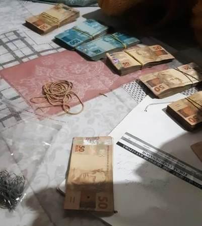 Left or right dinheiro apreendido pelo geco em bataypor