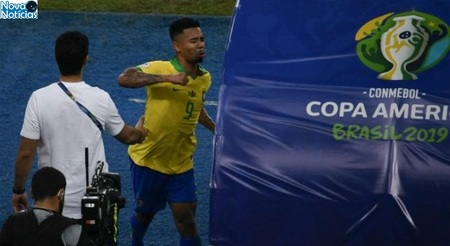 Left or right 1 gabriel jesus 696x381