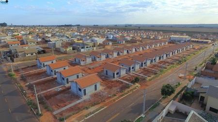Left or right prefeitura de nova andradina entregar 52 novas casas no universit rio