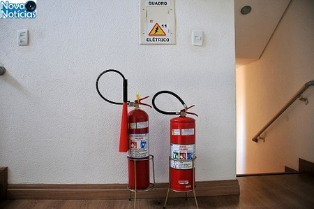 Left or right extintor avisos vr1