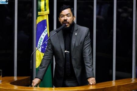 Left or right politica trutis luis macedo camara dos deputados1
