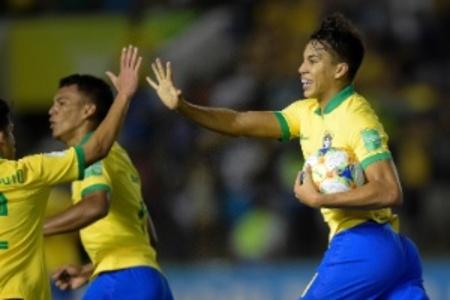 Left or right kaio jorge comemora gol do brasil contra a franca no mundial sub 17 1573779578942 300x200