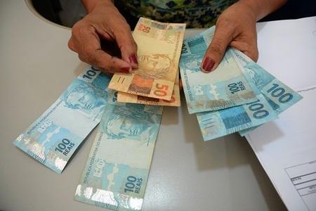 Left or right dinheiro emprestimo go