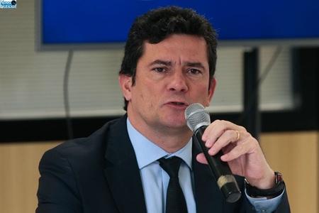 Left or right ministro sergio moro1