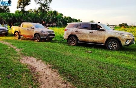 Left or right 18 hilux e sw4 em pantanal de aquidauana removidas