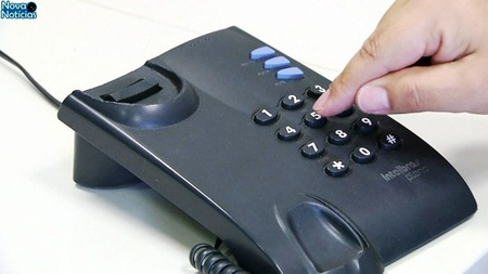 Left or right telefone fixo globonews1