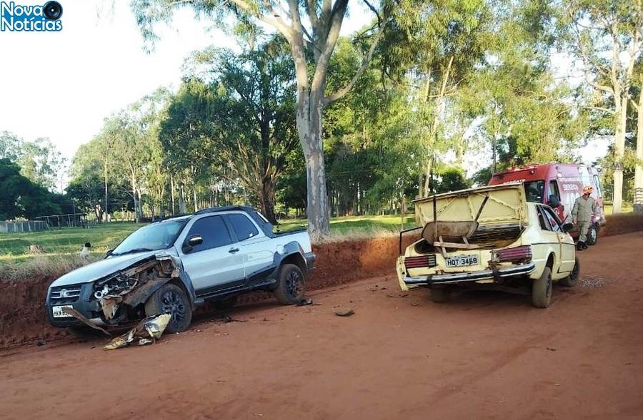 Center acidente em ivinhema dia 19 de abril na vila cristina cinco v timasvvvvvvv