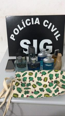 Left or right perfume recuprados de furto dia 28 de abril