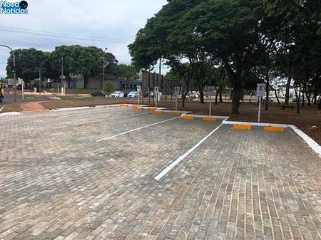 Left or right estacionamento de bbbbbb