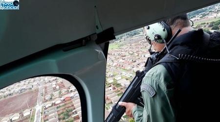 Left or right helicoptero fotopmdourados