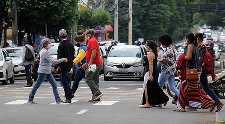 Left or right tempo rua com rcio foto chico ribeiro 34