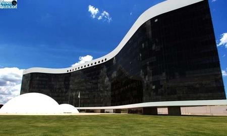 Left or right fachada do tse0402130398 1