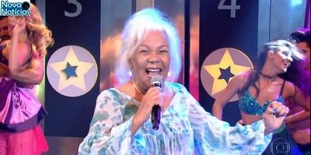 Left or right cantora do hit chorando se foi loalwa foi achada morta em carro incendiado