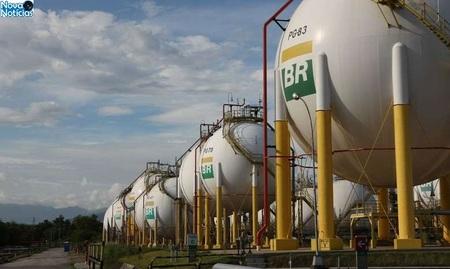Left or right refinaria duque de caxias reduc