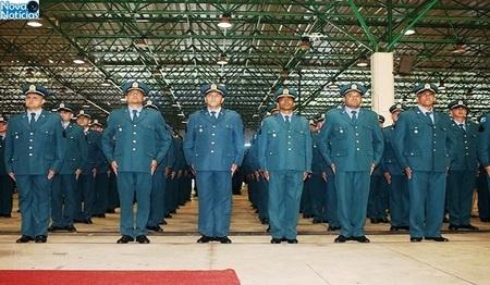 Left or right formatura de sargentos da pm 768x425 730x425