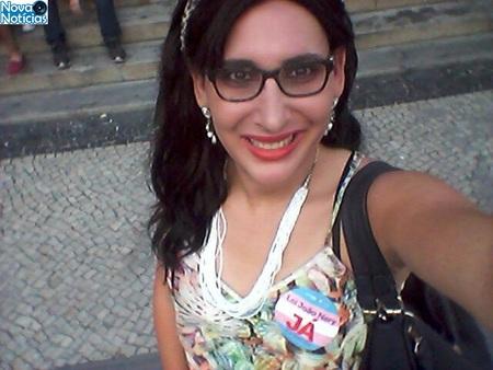 Left or right maria eduarda