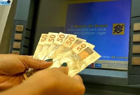 Left or right mais de milhoes estao disponiveis para saques dos servidores estaduais