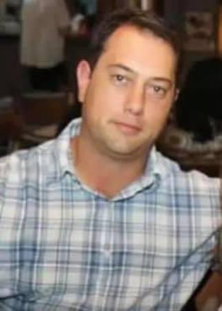 Left or right advogado morreu em franca dia 02 04
