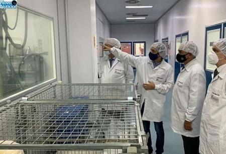 Left or right laboratorio uniao quimica 4 730x425 reinaldo