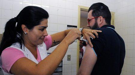 Left or right campanha de vacina o contra gripe foto edemir rodrigues 3 768x425