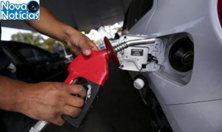 Left or right precos da gasolina diesel e gas aumentam hoje nas refinarias 16255691080184 thumb