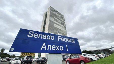 Left or right senado federal agencia brasil widelg