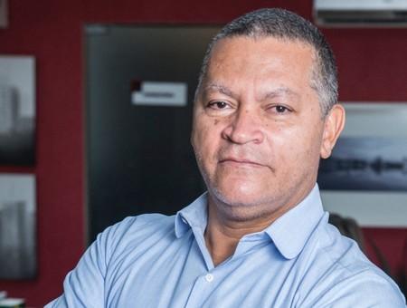 Left or right wilson aquino jornalista e professor 1