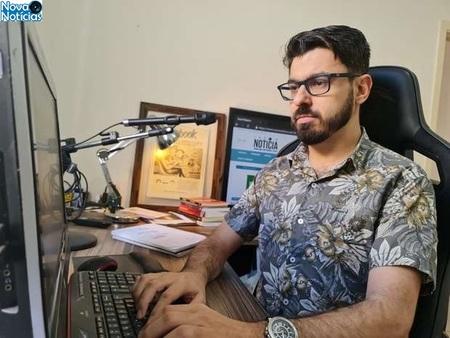 Left or right alexandre apra jornalista