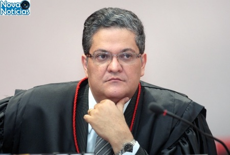Left or right ministro henrique neves