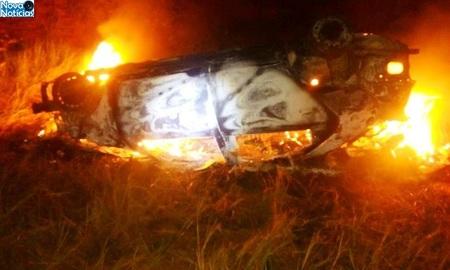 Left or right carro incendiado