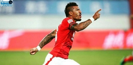 Left or right paulinho celebra gol do guangzhou evergrande contra o beijing guoan 1488723192776 615x300