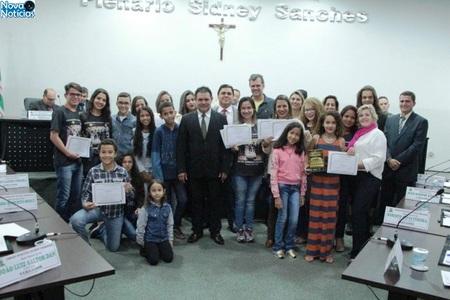 Left or right escolas de nova andradina premiadas no fetran s o homenageadas