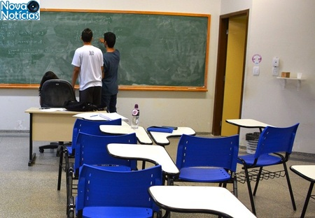 Left or right sala de aula ufms pr1cc