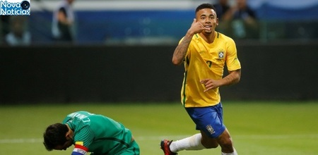 Left or right gabriel jesus comemora gol contra o chile 1507685570936 615x300