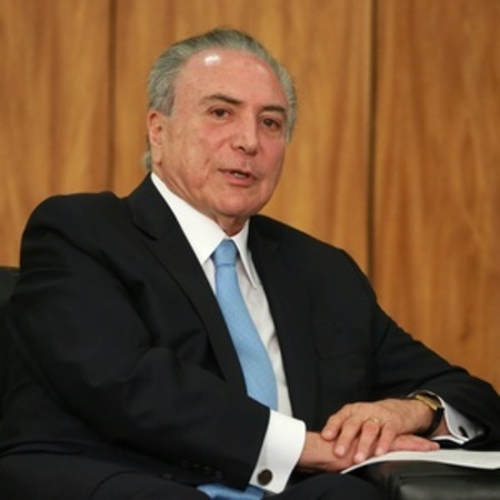 Left or right 23102017 o presidente do brasil michel temer durante cerimonia embaixadores no palacio do planalto em brasilia 1508953763537 v2 300x300