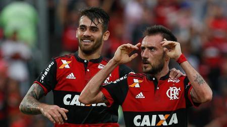 Left or right mancuello comemora gol que abriu o placar para o flamengo contra o corinthians 1511124861896 v2 450x253